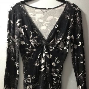 Express Black & White Floral Top Sz M